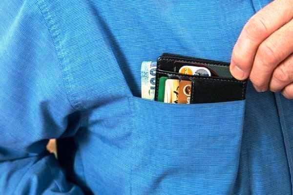 Как разблокировать кредитную карту если наложен арест