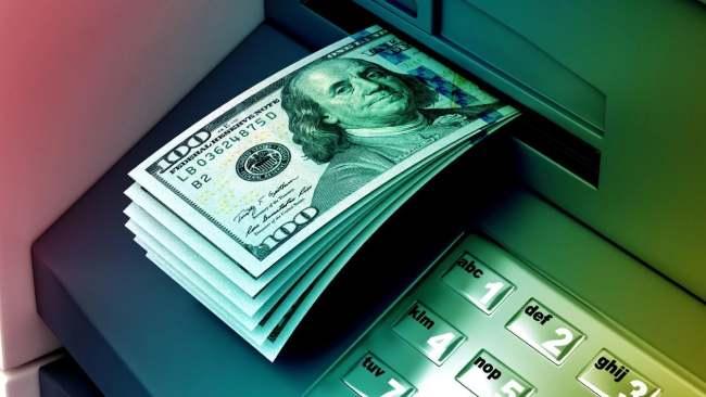 Снять валюту с дебетовой карты
